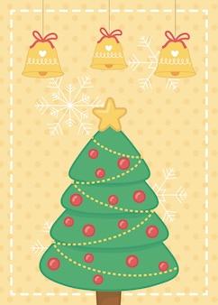 Decoratieve boom met vrolijke kerstkaart van sterballen