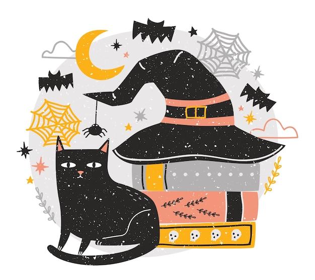 Decoratieve halloween-compositie met schattige zwarte kat, zittend naast stapel antieke boeken vallende heksenhoed