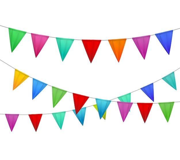 Decoratieve kleurrijke partij slingers wimpels rood blauw geeloranje roze tegen wit realistisch beeld als achtergrond
