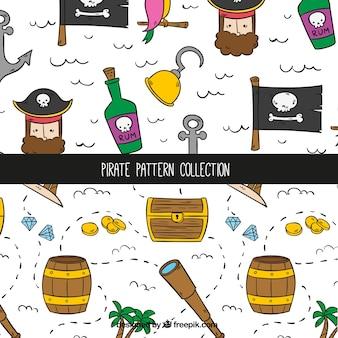 Decoratieve patronen met handgetekende piratenelementen