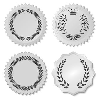Decoratieve stickers met laurierblaadjes, cirkelvormig laurierbladembleem, kransen met een onderscheiding, heraldiekadel - vectorillustratie, u kunt de vorm en kleur naar wens wijzigen