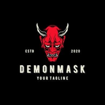 Demon oni mask logo template geïsoleerd op zwart