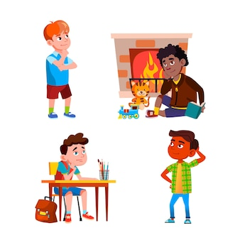 Denken of dromen jongens kinderen instellen vector. kinderen zitten aan het bureau op schoolles en in de buurt van de open haard, staan op straat en denken na over het probleem. tekens platte cartoon illustraties