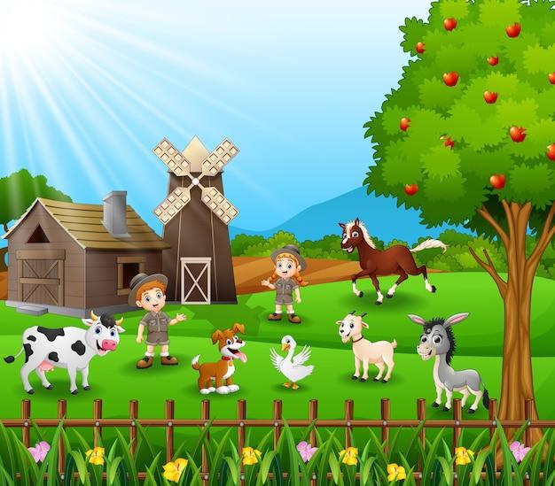 Dierenverzorger met de dieren op de boerderij