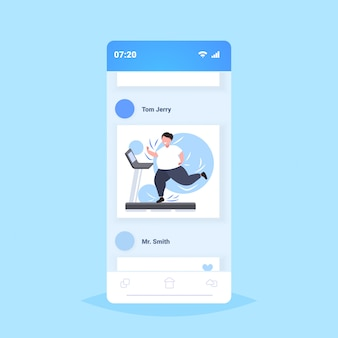 Dikke zwaarlijvige vrouw draait op loopband overgewicht meisje cardiotraining training gewichtsverlies concept smartphone scherm online mobiele applicatie