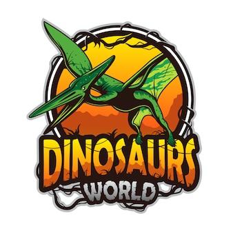 Dinosaurussenwereldembleem met pterodactyl. gekleurd geïsoleerd op witte achtergrond