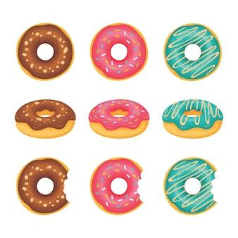 Donuts kijkt vanaf de bovenkant en zijkanten en donuts die zijn gebeten