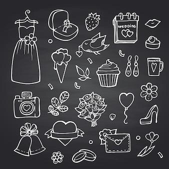 Doodle bruiloft elementen ingesteld op zwarte schoolbord illustratie