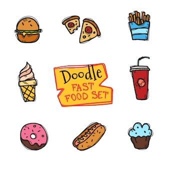 Doodle stijl fastfood set. leuke hand getrokken verzameling van snack pictogrammen Premium Vector