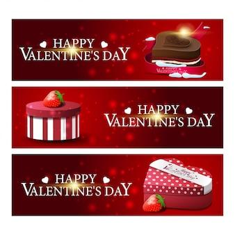 Drie rode groet banners voor valentijnsdag met chocolade en geschenken
