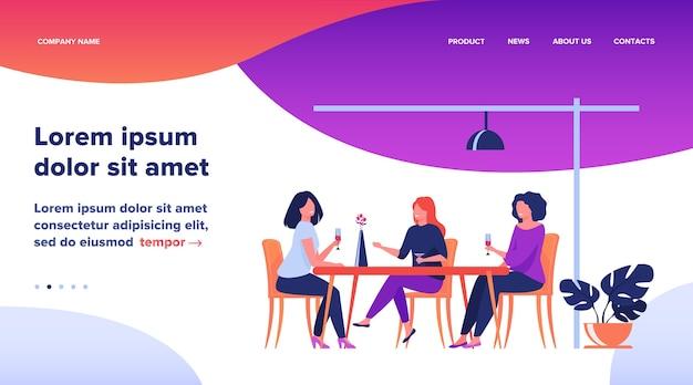 Drie vriendinnen zitten in café tijdens de lunch en praten platte vectorillustratie. vrouwen die samen rondhangen. vriendschap en communicatieconcept.