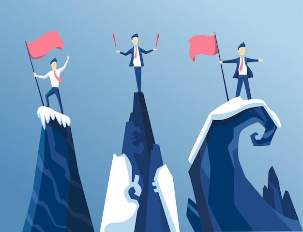 Drie zakenman bereikte eerst de top van de berg met een vlag. mensen uit het bedrijfsleven hebben zijn doel bereikt. bedrijfsconcept winnen en competitie. leidt tot succes