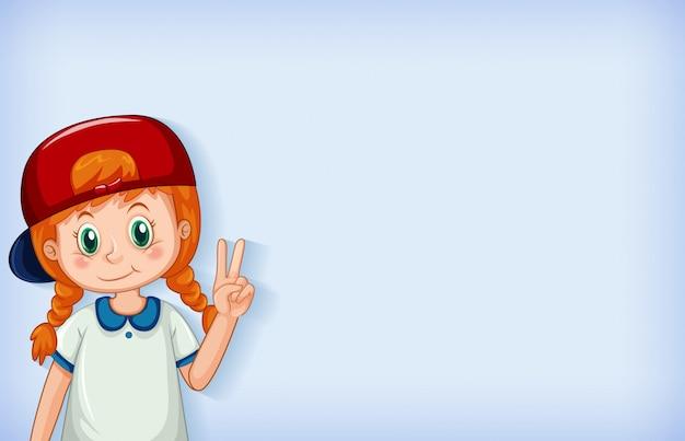 Duidelijke achtergrond met gelukkig meisje dat rood glb draagt