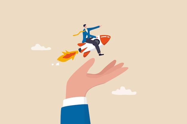 Durfkapitaal voor het financieren van opstartend bedrijf, hulp of financiële ondersteuning van ondernemer of klein bedrijf om projectconcept te lanceren, zelfverzekerde zakenman die lanceringsbedrijfsraket in de hand van de supporter berijdt.