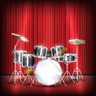 Echte drumstel op een podium