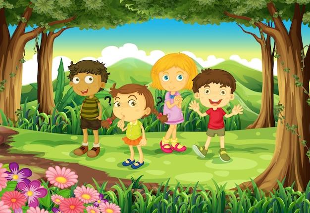Een bos met vier kinderen