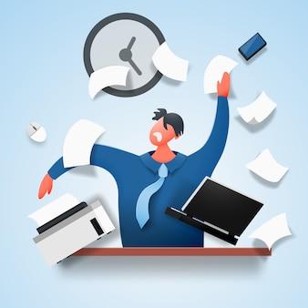 Een boze man in stress zit aan een tafel die documenten en papier verspreidt.