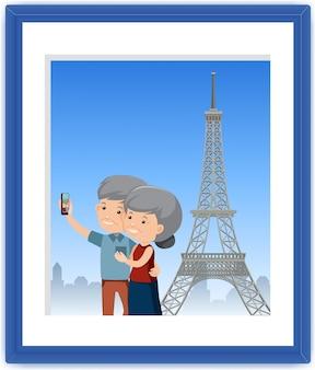 Een foto van een oud stel maakt een selfie met de eiffeltoren