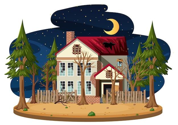 Een geïsoleerd oud spookachtig huis