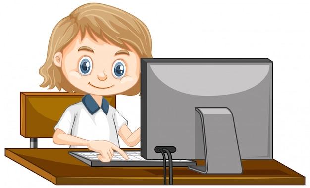 Een gelukkig meisje dat werkt op de computer