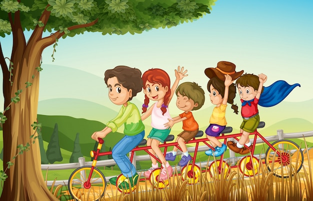 Een groep mensen fietsen