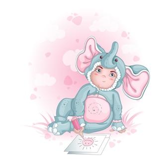 Een jongen in een babyolifant kostuum tekent. kinderen in mooie jurken