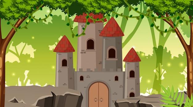 Een kasteel in het bos