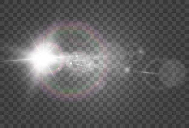 Een lichteffect op een transparante achtergrond. heldere mooie ster.