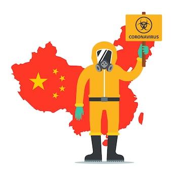 Een man in een beschermend pak heeft een bord met het coronavirus-pictogram. epidemie in china. vlak karakter.