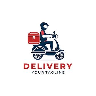 Een man rijdt op een scooter. levering logo
