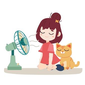 Een meisje en een schattige kat voelen zich warm. ze gebruiken een fan