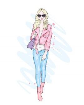 Een mooi meisje in een spijkerbroek, een blouse en op schoenen met hoge hakken. een stijlvolle vrouw met lang haar en een tas. mode en stijl, kleding en accessoires.