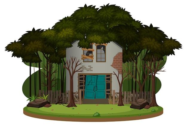 Een oud spookachtig huis in het bos