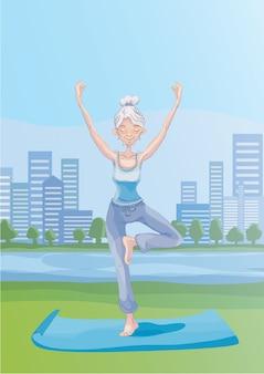 Een oudere grijsharige vrouw beoefent yoga buiten in het stadspark, staande op één been. actieve levensstijl en sportactiviteiten op oudere leeftijd. illustratie.