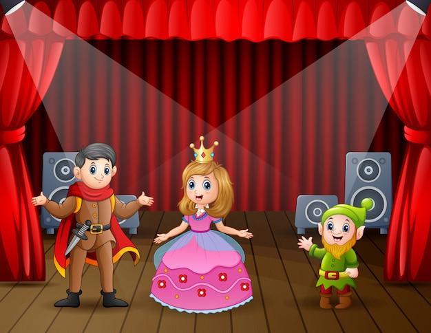 Een prins en prinses die een dramashow doen op het podium
