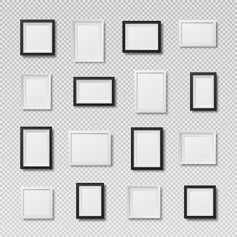 Een set realistische fotolijsten lege ruimte voor een schilderijkaart of foto