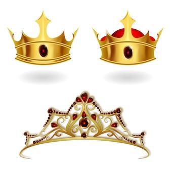 Een set van realistische gouden kronen en tiara