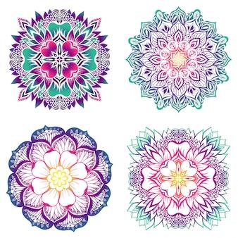 Een set van vier mandala's met een verloopvulling.