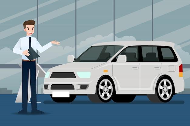 Een verkoper die een auto voorstelt.