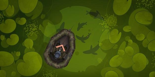 Een visser in een rubberboot is aan het vissen