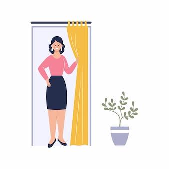 Een vrouw past een jurk in de paskamer. kleding kopen in de winkel. mooi meisje in een rok en blouse. vector plat karakter.