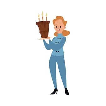 Een vrouwelijke bakker in uniform staat en houdt een grote cake met kaarsen vast. vrouw of meisje bakker en chef-kok koken eten en gebak, cartoon afbeelding.
