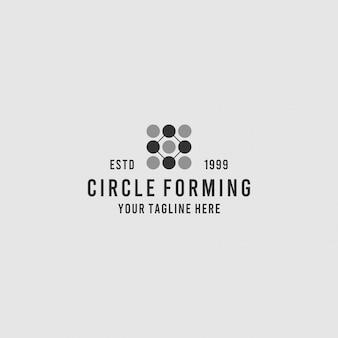 Eerste o-logo-ontwerp met cirkelconcept