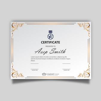 Elegant certificaat sjabloon Gratis Vector