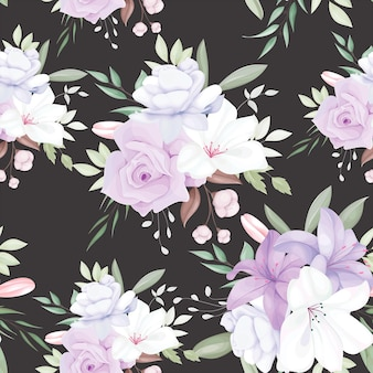 Elegant naadloos patroon met mooie witte en paarse bloemen en bladeren