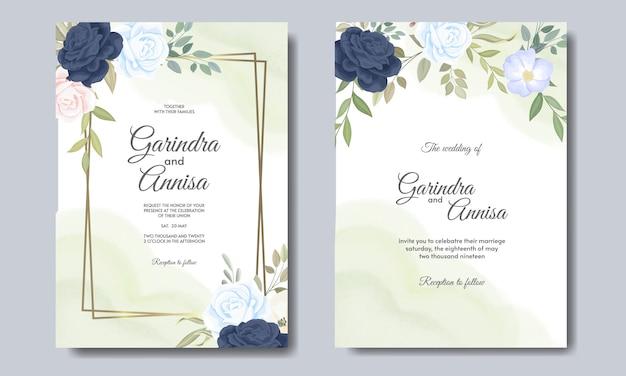 Elegante bruiloft uitnodiging kaartsjabloon met bloemen en bladeren marineblauw