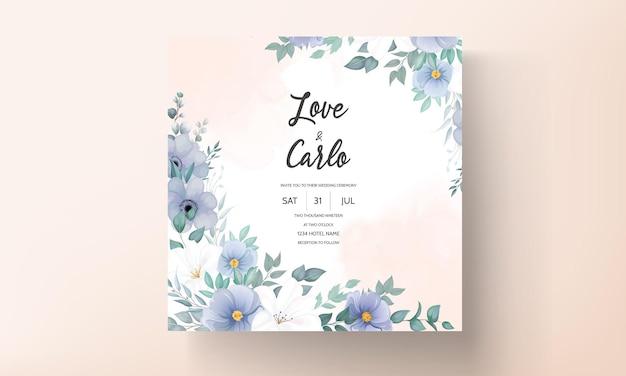 Elegante bruiloft uitnodigingskaart met prachtige bloemdecoraties Gratis Vector