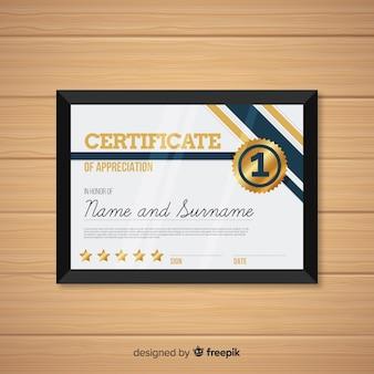 Elegante certificaatsjabloon met gouden stijl