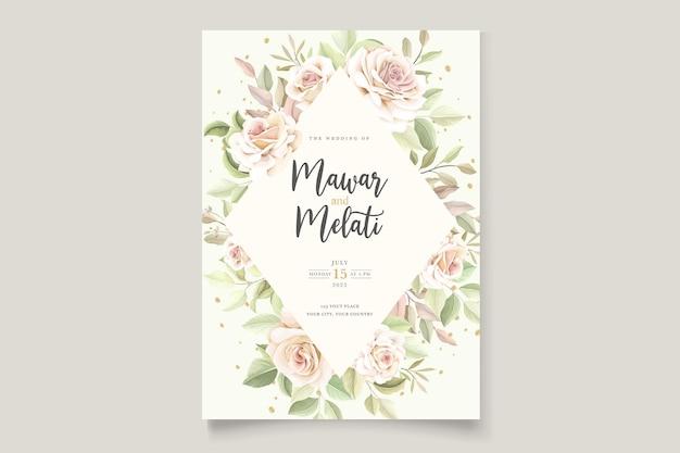 Elegante handgetekende rozen uitnodigingskaart Gratis Vector