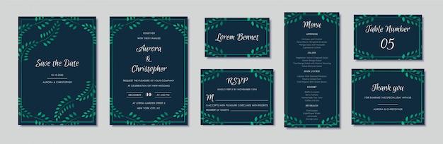 Elegante huwelijksuitnodigingen met groene bloemenmotieven en marineblauw